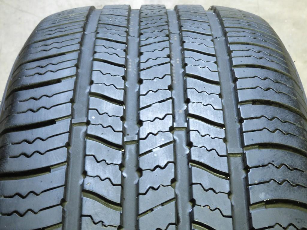 Goodyear Assurance All-Season 215//60R16 95T Used Tire 6-7//32