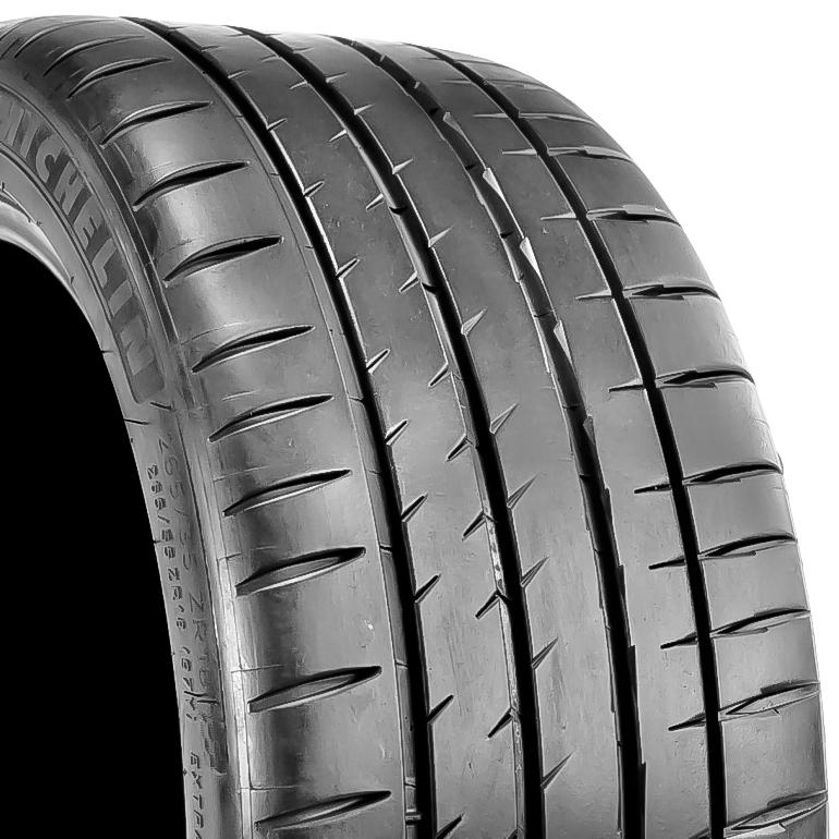 265//35ZR18//XL 1 New Michelin PILOT SPORT 4 S Tire